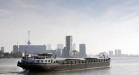 Binnenvaart Inland Ship Hydraulische Olie