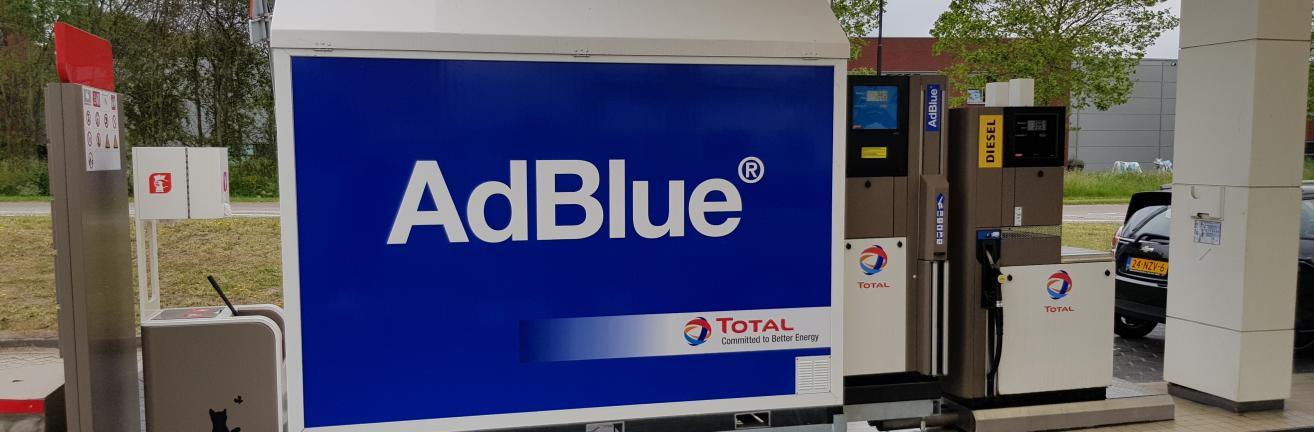 AdBlue op een tankstation