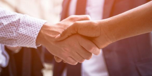 Leverancier worden bevestigd met handdruk