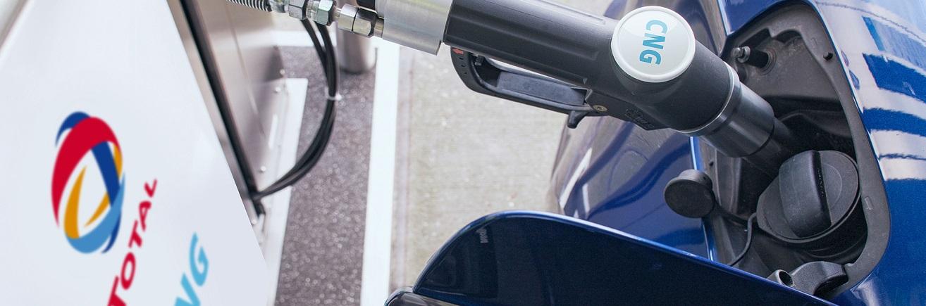 Afbeelding CNG pomp en gaspistool voor header nieuwsbericht CNG Zaandam